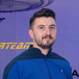 """Star Interview #43 - Daniel C. - """"Nu vreau să mă limitez la a duce task-urile la bun sfârșit, ci îmi doresc să evoluez permanent."""""""